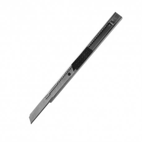 Univerzálny nôž s kovovým telom